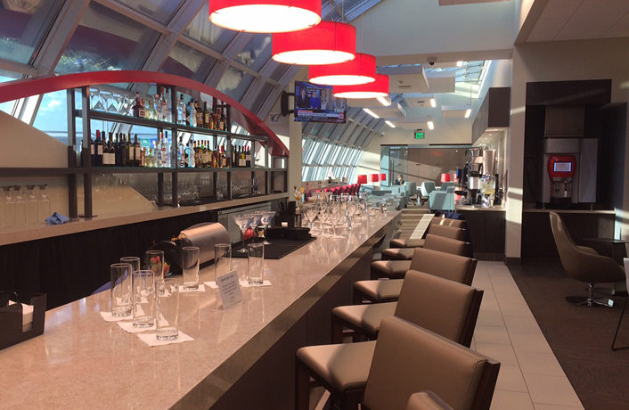 Wingtips Lounge Opens at St. Louis Airport