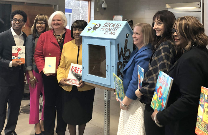 Library Boxes Debut at Metro Stations