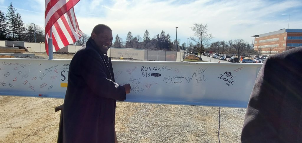 Rodney Crim, STL Partnership President and Interim CEO signing the beam at the Topping Out Event for Benson Hill on Dec. 10th.